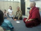 Lama Namgyal memberikan penjelasan tentang meditasi